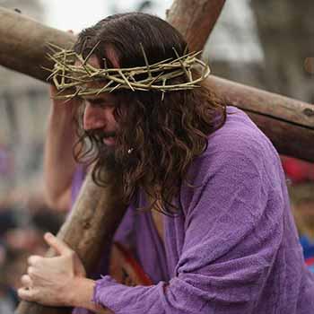 Por qué Jesús no bajó de la cruz